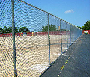 Chain link Fence, Buy from Chainlink Industries Qatar  Qatar